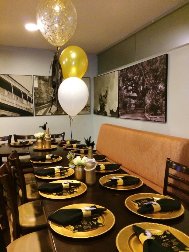cumpleano-al-estilo-gatsby-table-decor-full