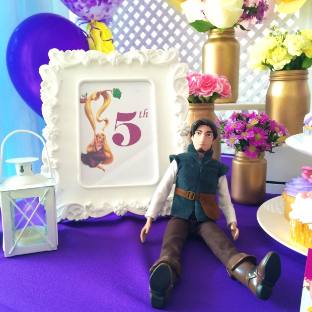 tangled-birthday-decoration-table-5