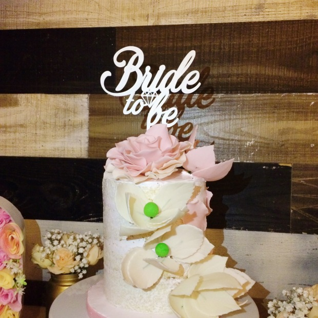 vintage-bridal-shower-cake-station-naked-cake