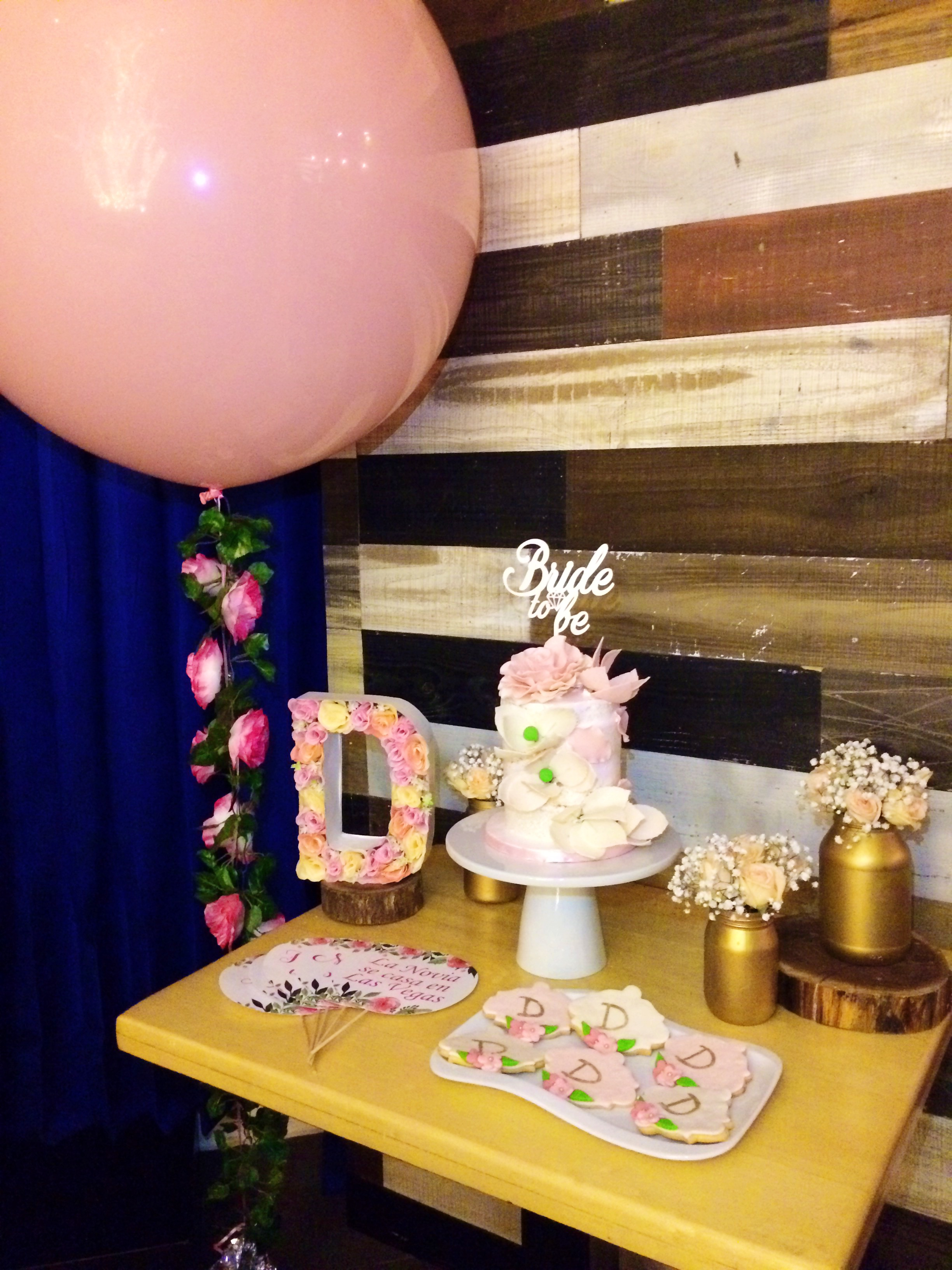 vintage-bridal-shower-cake-station