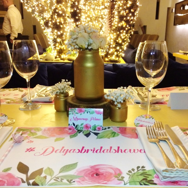 vintage-bridal-shower-table-decor-2