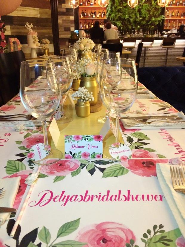 vintage-bridal-shower-table-decor