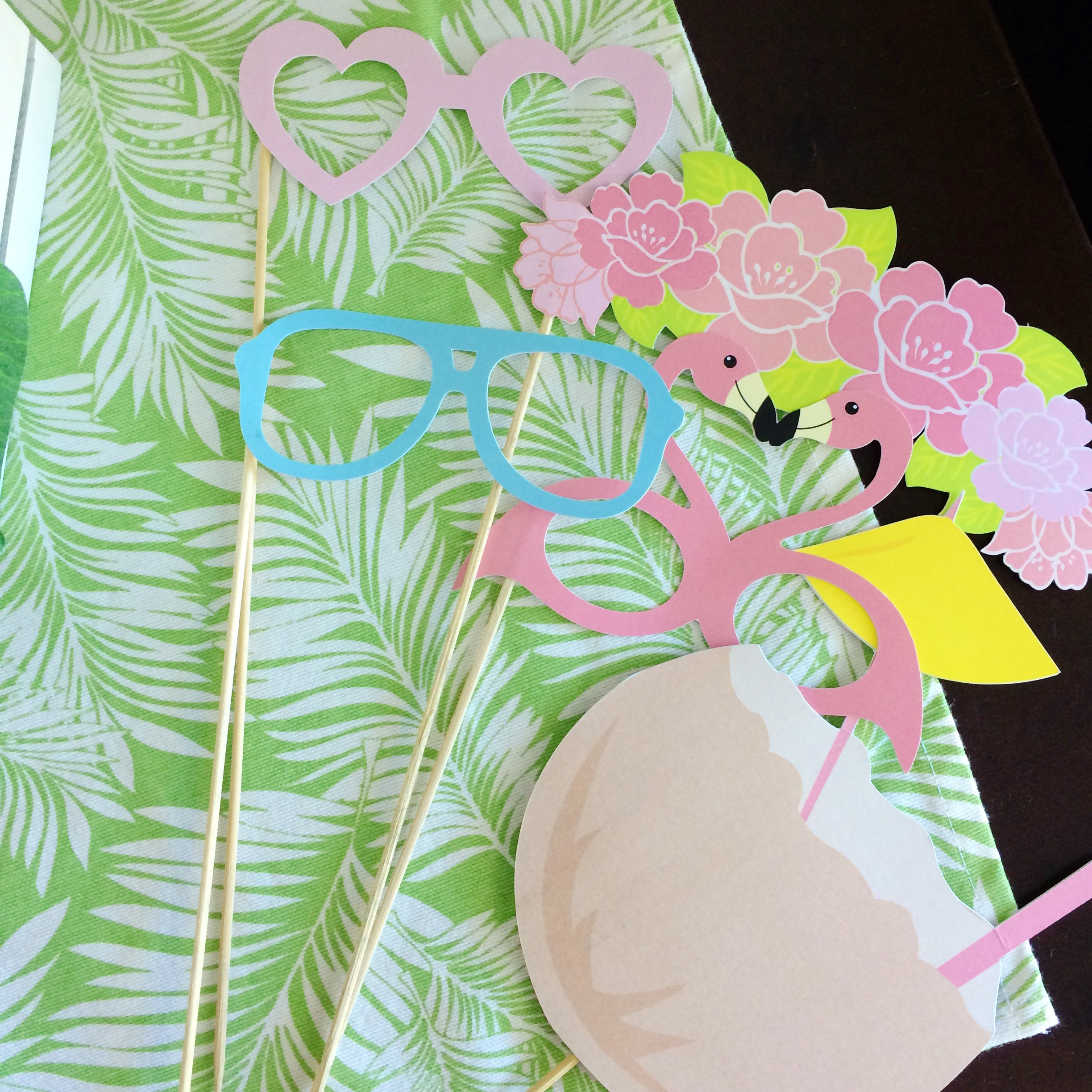 palms-spring-props
