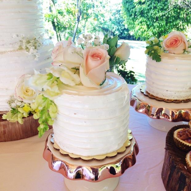 vintage-wedding-sweet-table-3